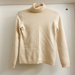 Uniqlo Ivory White Cashmere Turtle Neck Sweater